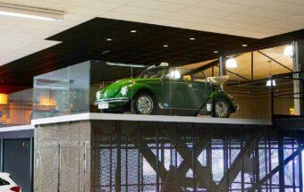 VW en train d'être soulevée